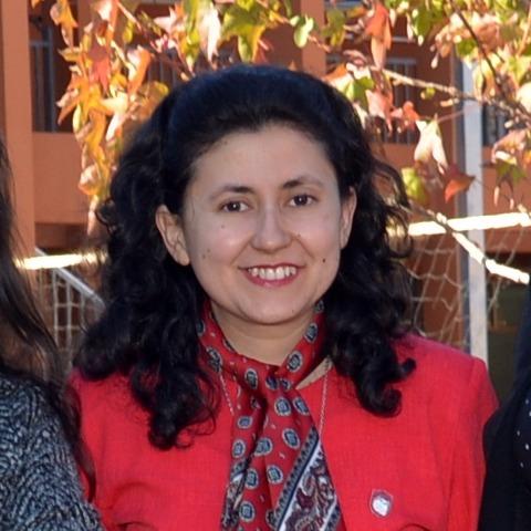 María E. González